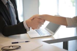Verloop van IT-medewerkers voorkomen begint al van bij voor hun aanwerving: connecteer intensief.