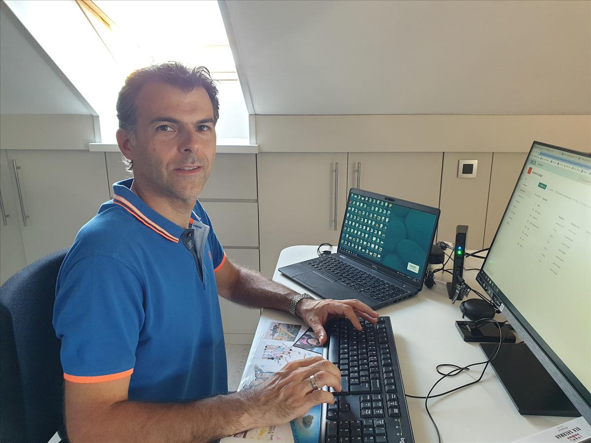 """Carsten Goossens """"Hoe is om als IT'er bij uitvaartspecialist DELA te werken?""""Amon interviewt CIO Hans Haverbeke. This is IT 2021"""